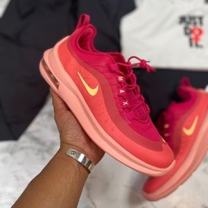 WMNS Pink Rush Nike Air Axis size 8